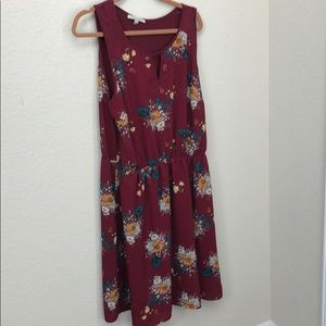 41 Hawthorne burgundy floral dress